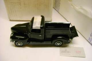 1940 FORD PICK UP TRUCK DIECAST CAR 124 SCALE PRECISION MODEL