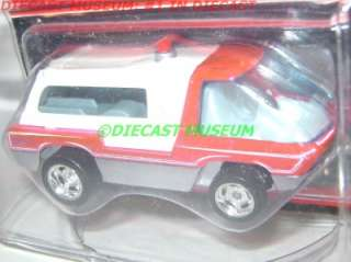 AMBULANCE RLC 2011 HOT WHEELS HW REAL RIDERS DIECAST