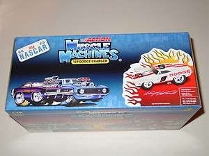 MUSCLE MACHINES KASEY KAHNE #9 NASCAR 1969 DODGE HEMI CHARGER 1/1,188
