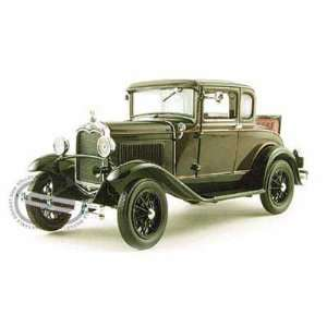 1931 Ford Model A Coupe 1/18 Green Toys & Games