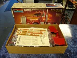 Monogram Kenworth W 900 Conventional 1/16 Scale Semi Truck Model Kit