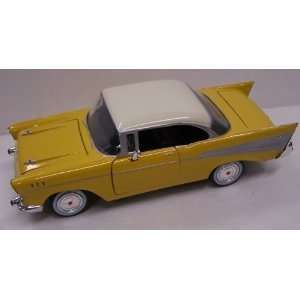 Motormax 1/24 Scale Diecast 1957 Chevy Bel Air in Color